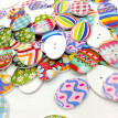100 PCs Mixed Wooden Buttons Painting Easter Eggs 2Hole Fit Sewing DIY Craft