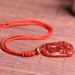 The red agate animal of the Chinese zodiac has been pendant in the year of the year