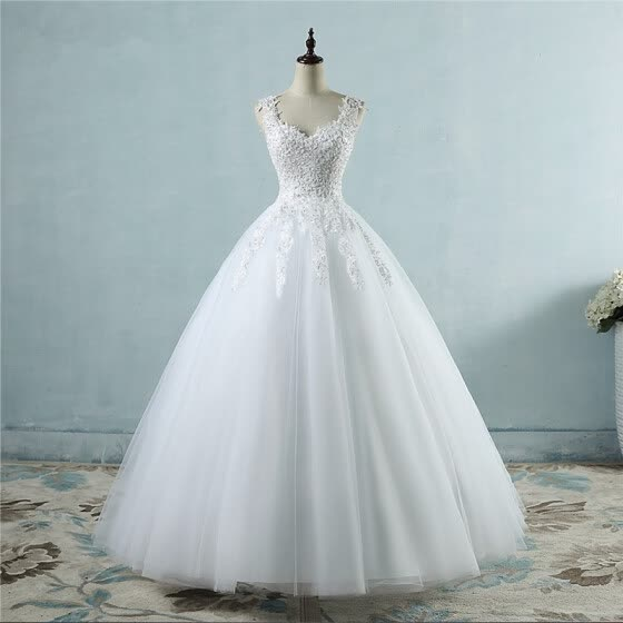 Lace & Pearls Wedding Dress Ball Gown Bridal Gown Dress
