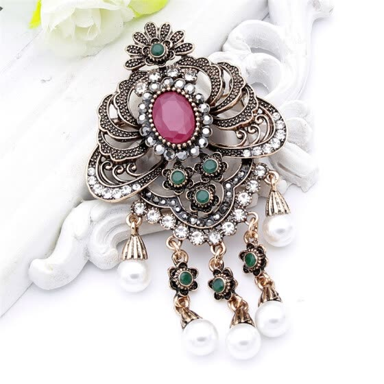 Shop Vintage Indian Women Resin Simulated-Pearl Flower
