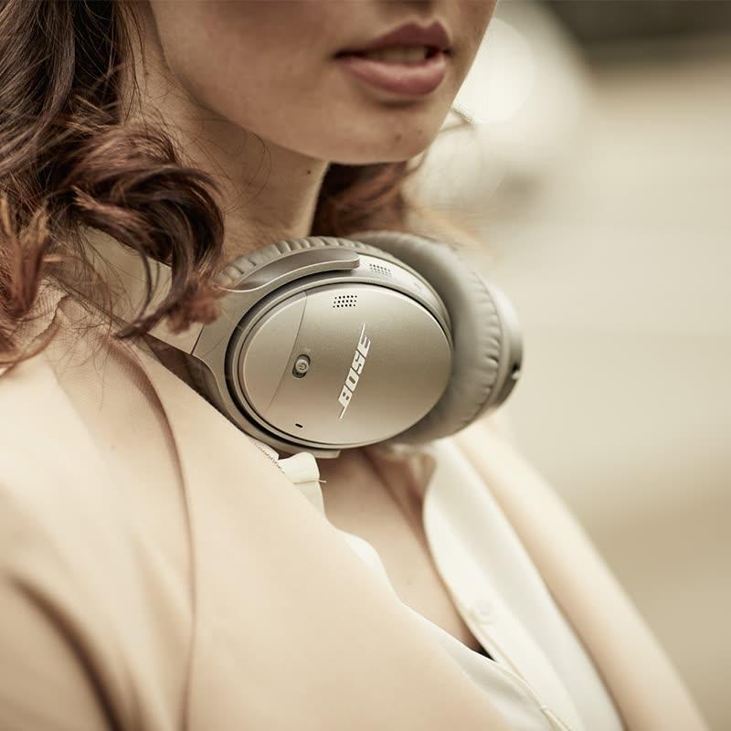 Shop Bose QuietComfort 35 Wireless Noise Reduction Bluetooth
